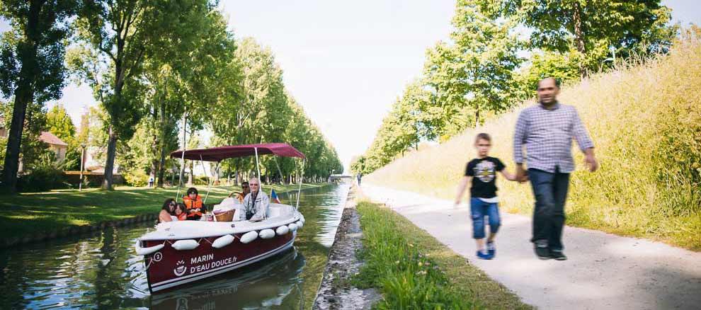 Réserver un bateau depuis la base Marin D'Eau Douce de Meaux pour un dépaysement en bord de Marne à 30 minutes de Paris
